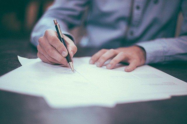 Jak sporządzić dobrą umowę najmu lokalu?
